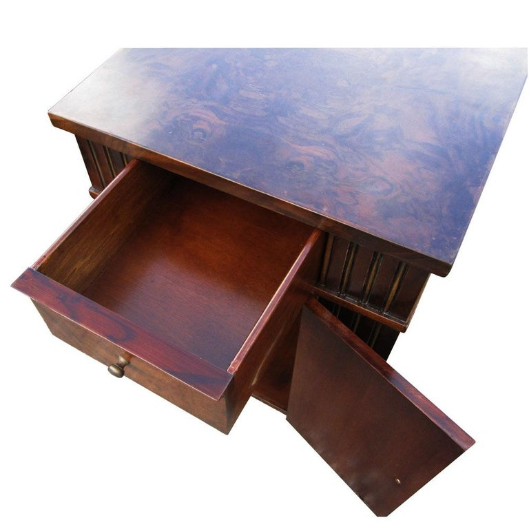 Vintage Burl Wood Night Stands by Scott Thomas Furniture In Good Condition For Sale In Pasadena, TX