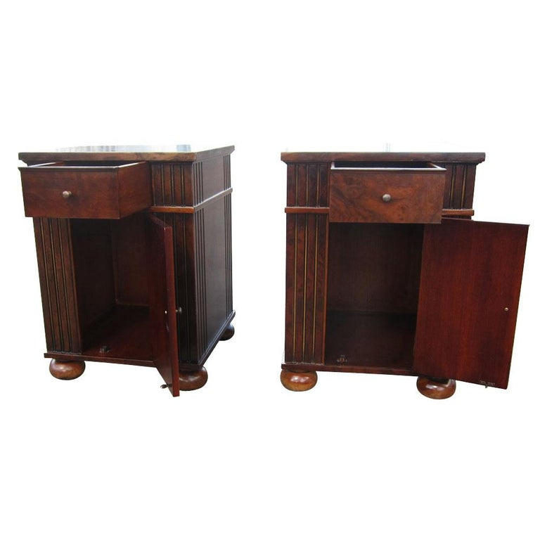 Vintage Burl Wood Night Stands by Scott Thomas Furniture For Sale 2