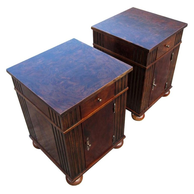 Vintage Burl Wood Night Stands by Scott Thomas Furniture For Sale