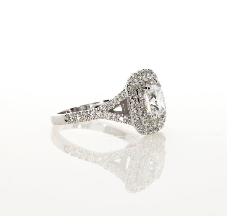 2.00 Carat Cushion Cut Diamond Engagement Ring In New Condition In New York, NY