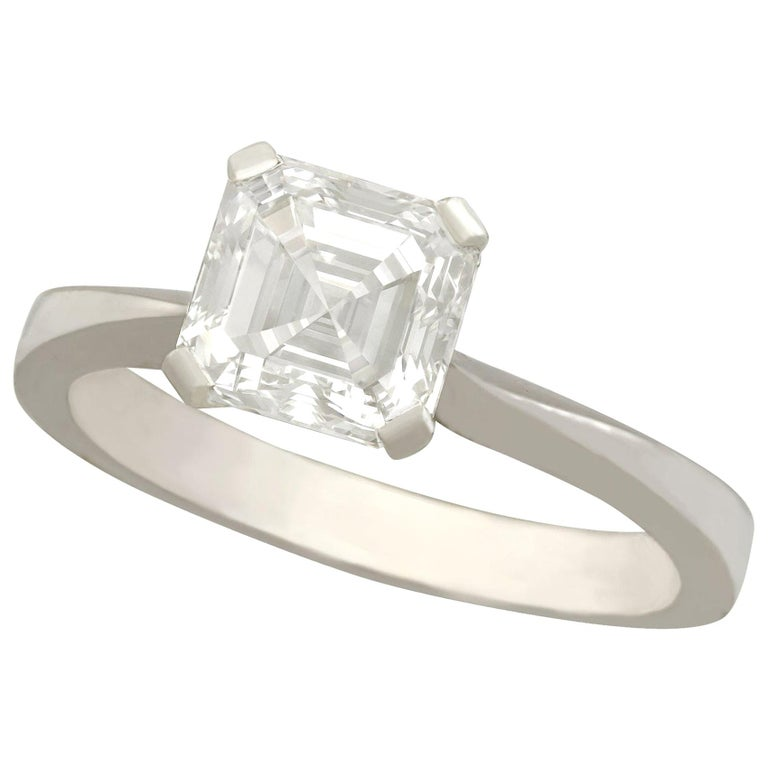 2.00 Carat Diamond and Platinum Solitaire Engagement Ring For Sale
