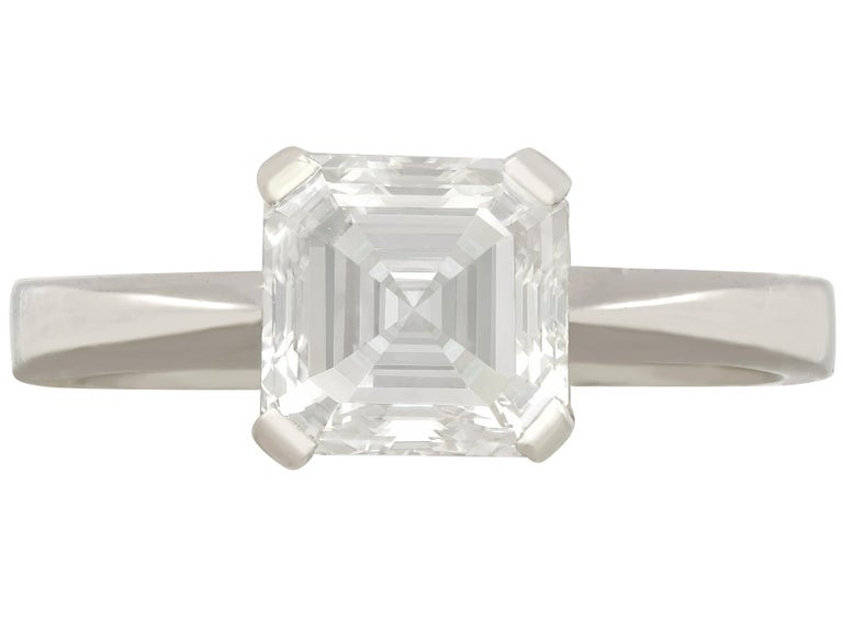 2.00 Carat Diamond and Platinum Solitaire Engagement Ring In Excellent Condition For Sale In Jesmond, Newcastle Upon Tyne