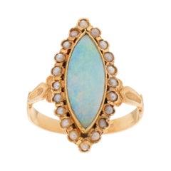 2.00 Carat Edwardian Opal 18 Karat Yellow Gold Engagement Ring