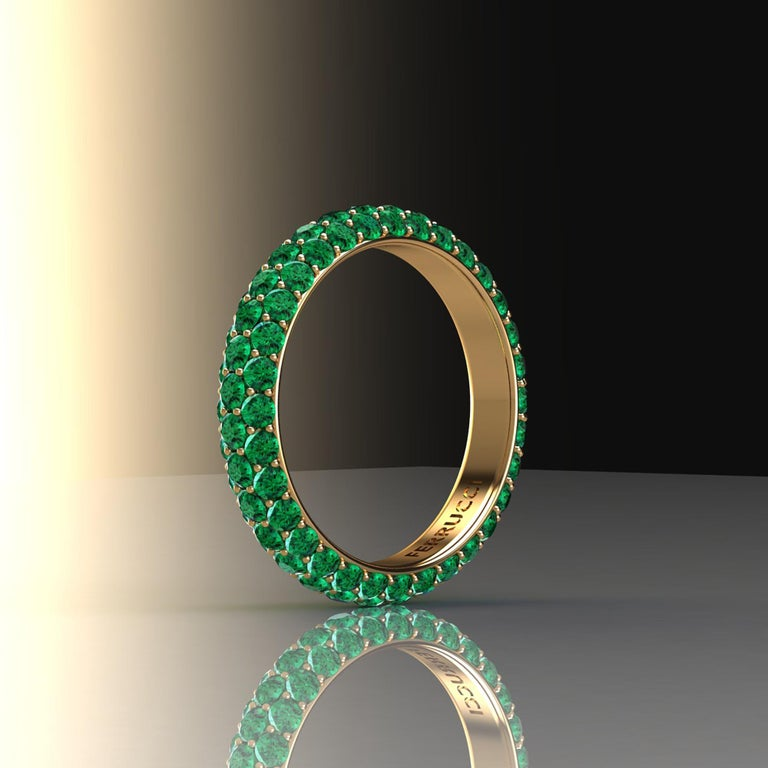 2.00 Carat Emeralds Pavé Eternity Ring in 18 Karat Yellow Gold For Sale 1