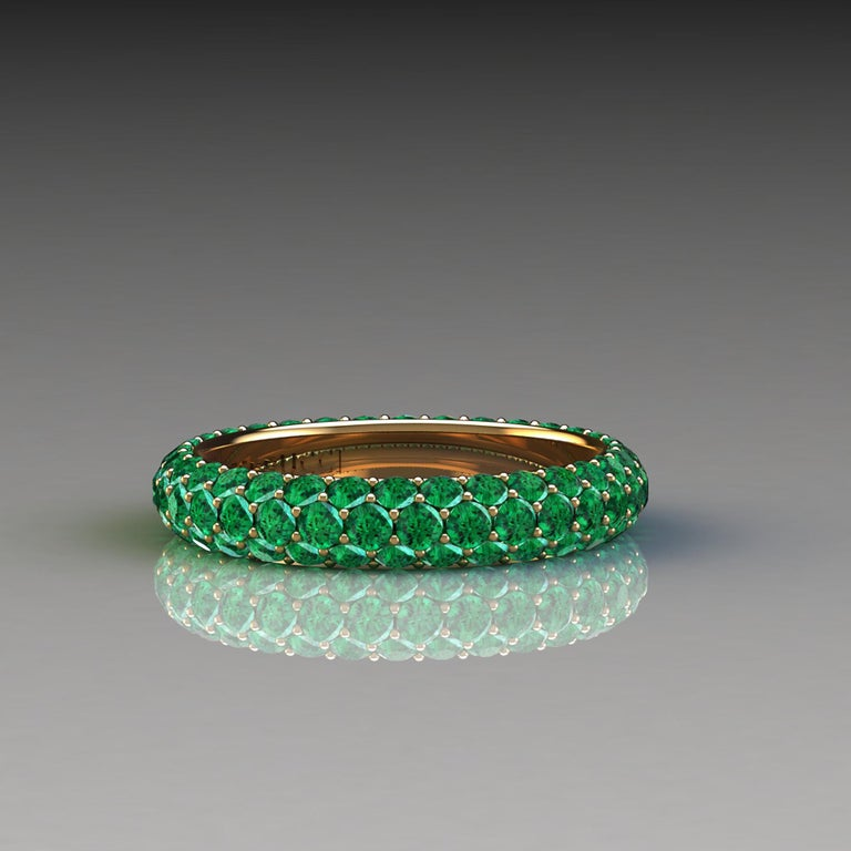 2.00 Carat Emeralds Pavé Eternity Ring in 18 Karat Yellow Gold For Sale 2