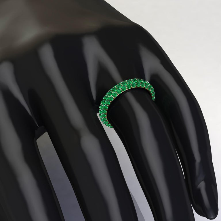 2.00 Carat Emeralds Pavé Eternity Ring in 18 Karat Yellow Gold For Sale 3