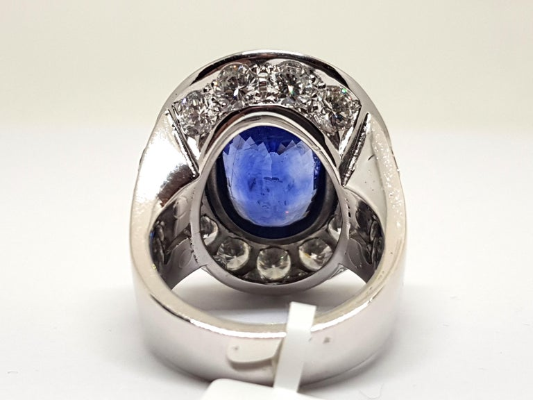 20.00 Carat IGI Certified White Gold Diamond Sri Lanka Sapphire Ring In New Condition For Sale In Antwerp, BE