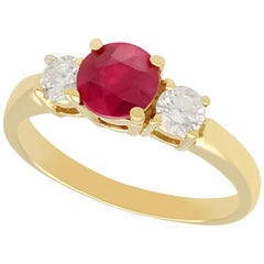 2000 Contemporary 1.32 Carat Ruby and Diamond Yellow Gold Trilogy Ring
