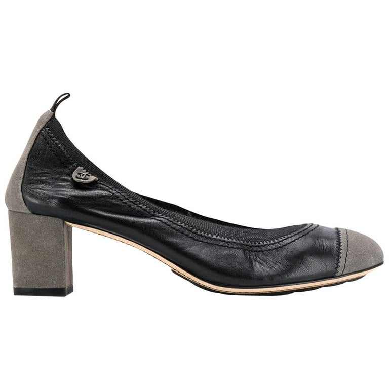 2000s Chanel Classic Pumps For Sale