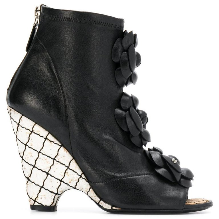 2000s Chanel Platform Booties In Excellent Condition For Sale In Lugo (RA), IT