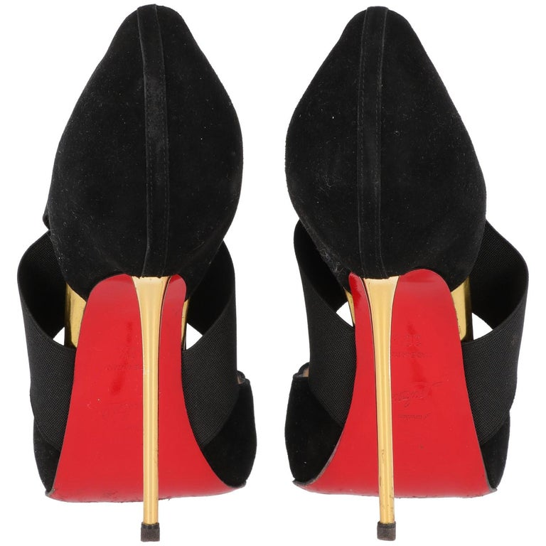 2000s Christian Louboutin Black Suede Pumps In Excellent Condition In Lugo (RA), IT