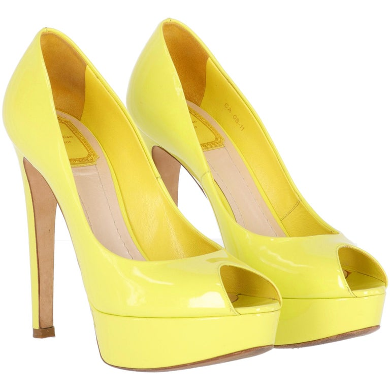 Women's 2000s Dior Yellow Lemon Patent Leather Heels Shoes For Sale
