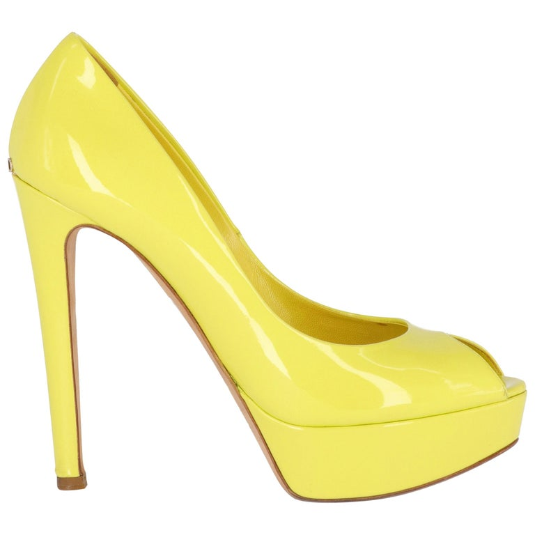 2000s Dior Yellow Lemon Patent Leather Heels Shoes For Sale