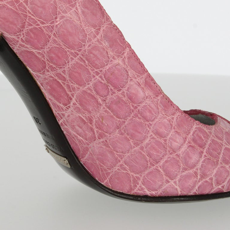 2000s Dolce & Gabbana Pink Leather Pumps For Sale 3