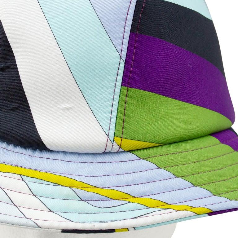2000's Emilio Pucci Neoprene Multicoloured Bucket Hat In Good Condition For Sale In Toronto, Ontario
