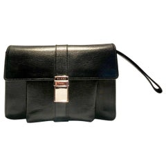 2000s Gucci Black Leather Steel Logo Clutch Wrist Bag