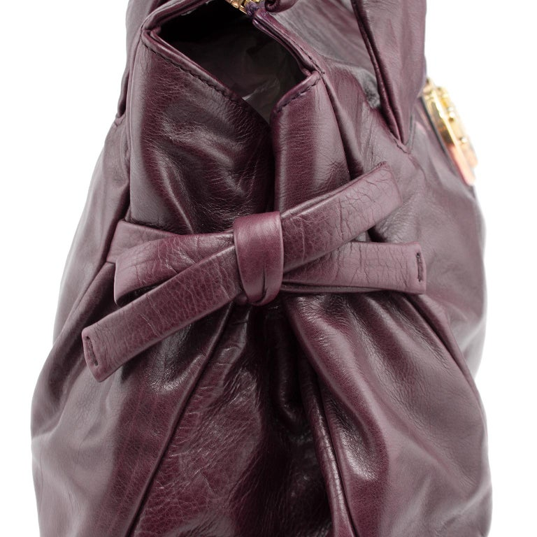 Women's or Men's 2000s Gucci Hysteria Collection Maroon Leather Bag   For Sale