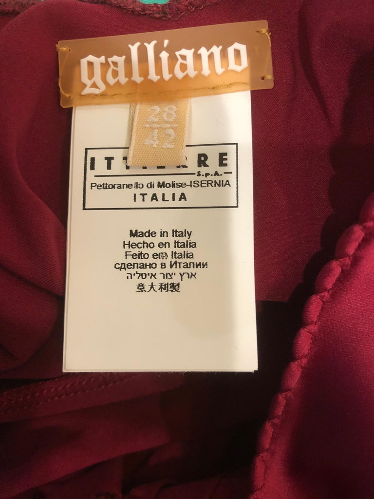 2000s John Galliano Sz 42 (US 6 / 8) Burgundy Silk Feather Brooch Babydoll Dress For Sale 11