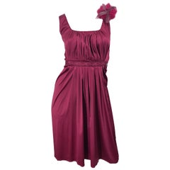 2000s John Galliano Sz 42 (US 6 / 8) Burgundy Silk Feather Brooch Babydoll Dress