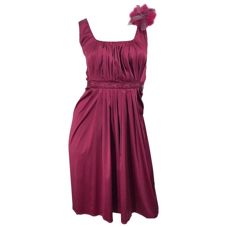 2000s John Galliano Sz 42 (US 6 / 8) Burgundy Silk Feather Brooch Babydoll Dress For Sale