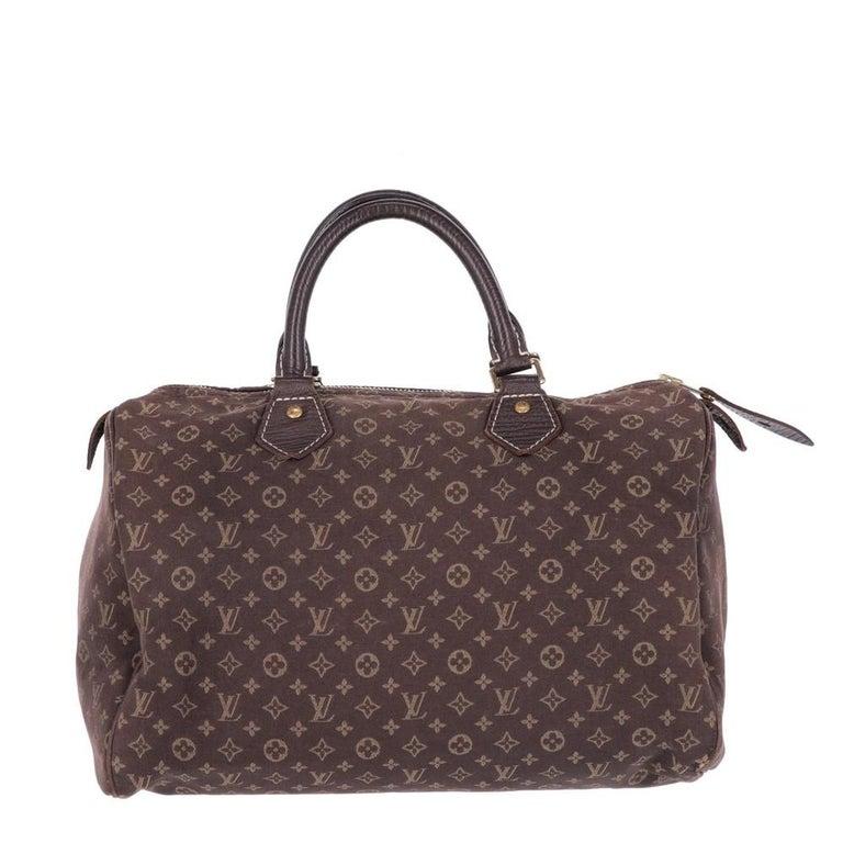 Women's or Men's 2000s Louis Vuitton Monogram Speedy Bag For Sale
