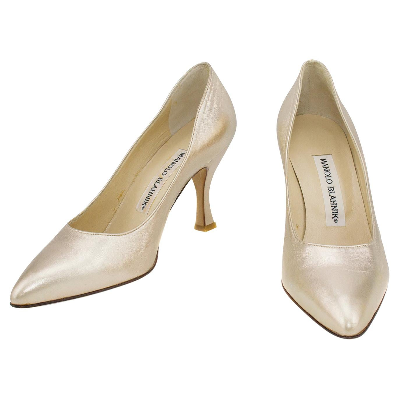 2000's Mint Manolo Blahnik Gold Leather High Heels