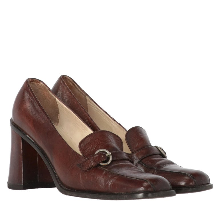 2000s Miu Miu Leather Heeled Loafers In Good Condition For Sale In Lugo (RA), IT