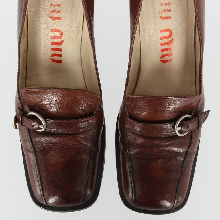 2000s Miu Miu Leather Heeled Loafers For Sale 3