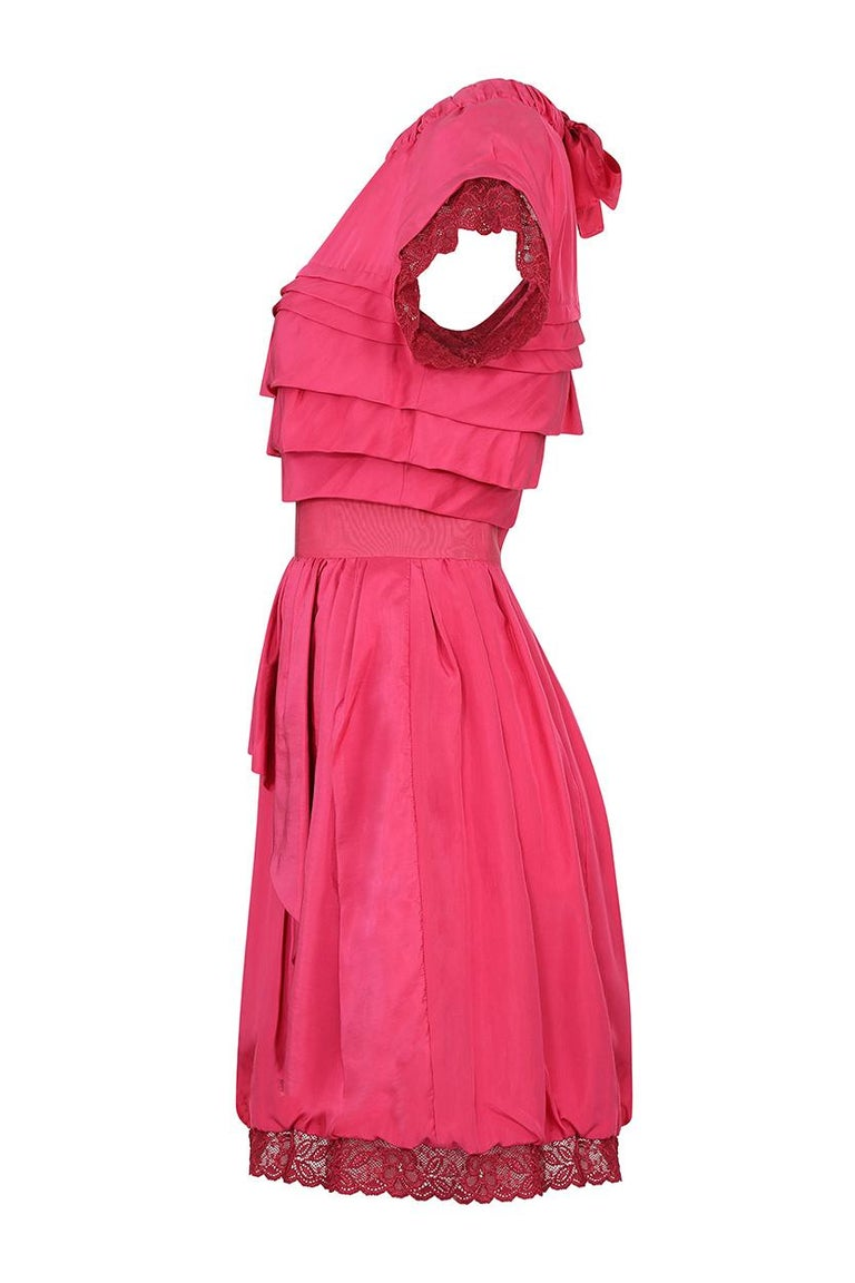 2000's Nina Ricci Deep Pink Silk Pleated dress With Lace Trim  In Excellent Condition For Sale In London, GB