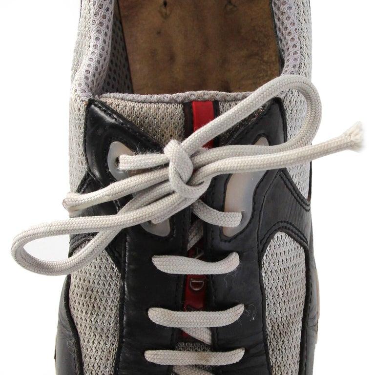 2000s Prada Bicolor Lace-up Shoes For Sale 6
