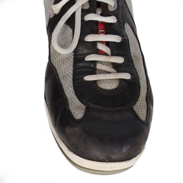 2000s Prada Bicolor Lace-up Shoes For Sale 4
