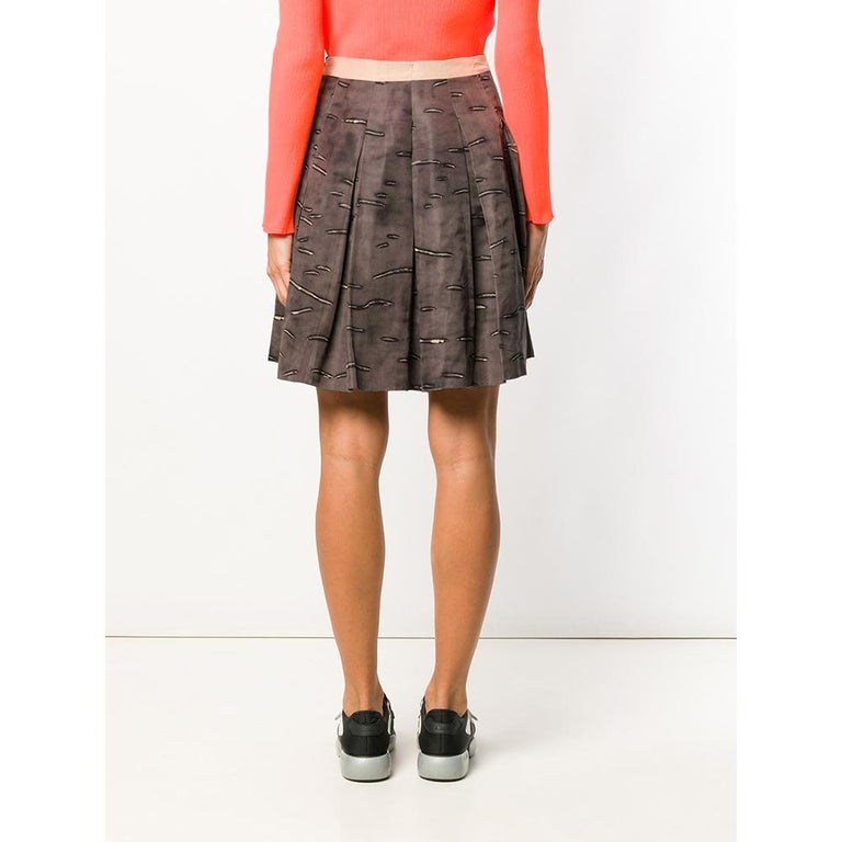2000s Prada Pleated Brown Skirt In Excellent Condition For Sale In Lugo (RA), IT