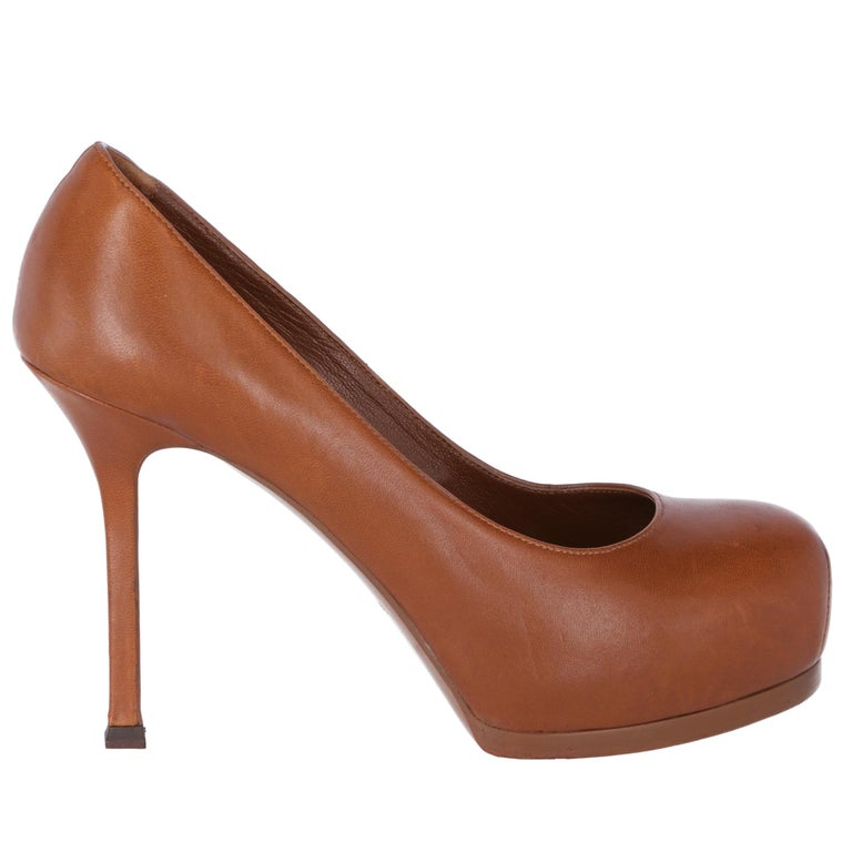 2000s Yves Saint Laurent Brown Leather Tribtoo Pumps For Sale 1