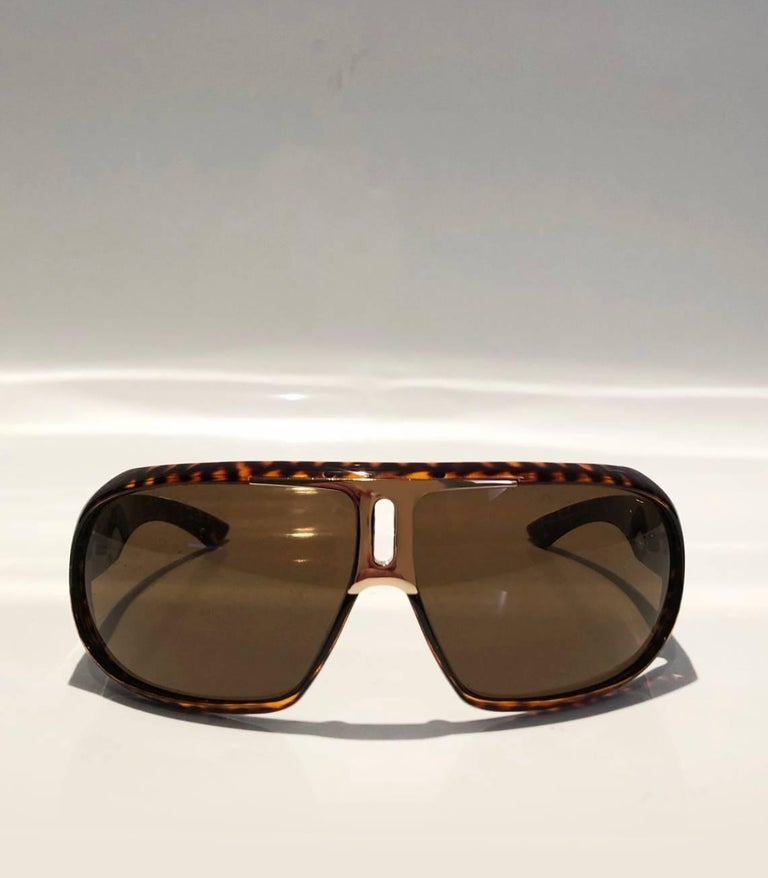 2000s Yves Saint Laurent Havana Brown 2199/s Mask Sunglasses  In Excellent Condition For Sale In London, GB