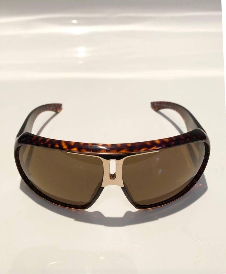 Women's or Men's 2000s Yves Saint Laurent Havana Brown 2199/s Mask Sunglasses  For Sale
