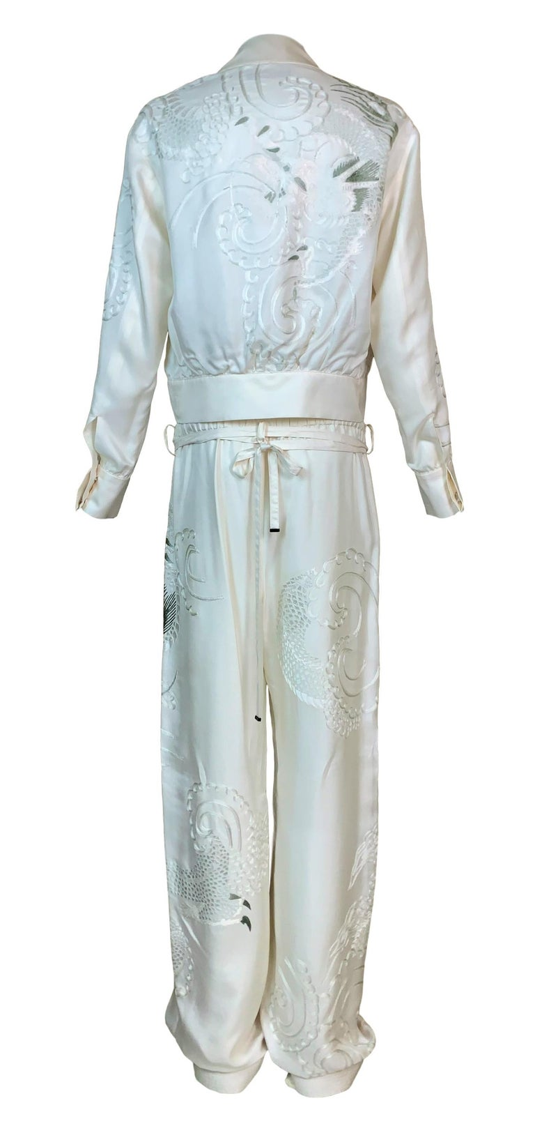 Gray 2001 Gucci Tom Ford Ivory Silk Chinese Dragon Embroidered Jacket Pant Tracksuit For Sale
