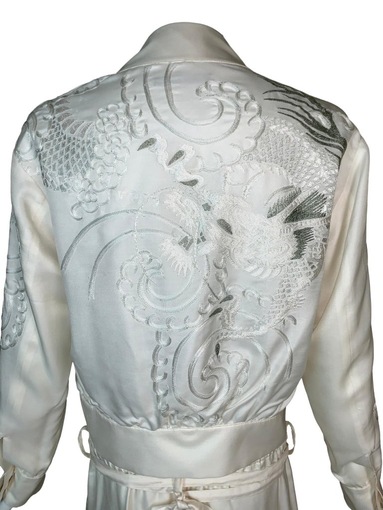 Women's 2001 Gucci Tom Ford Ivory Silk Chinese Dragon Embroidered Jacket Pant Tracksuit For Sale
