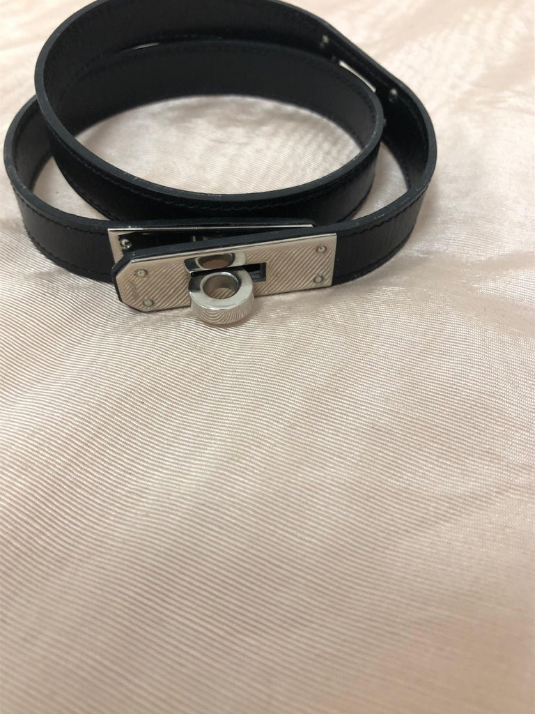 This 2002 Hermes Kelly Choker can double up as double or triple wrap bracelet depending on the size of your wrist. It is a choker or bracelet that can be worn every day.  Measurements are as follows: width .70