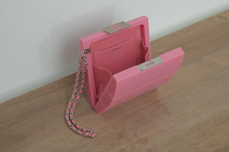 2002s Rare Chanel Perspex Lucite Minaudiere Pink Plastic Clutch For Sale 2