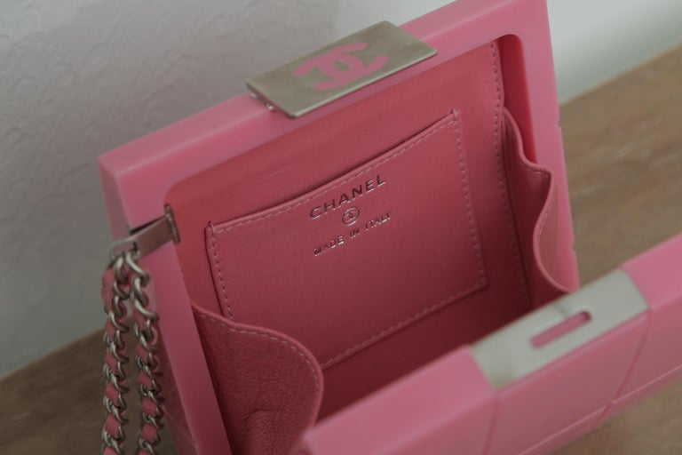 2002s Rare Chanel Perspex Lucite Minaudiere Pink Plastic Clutch For Sale 3