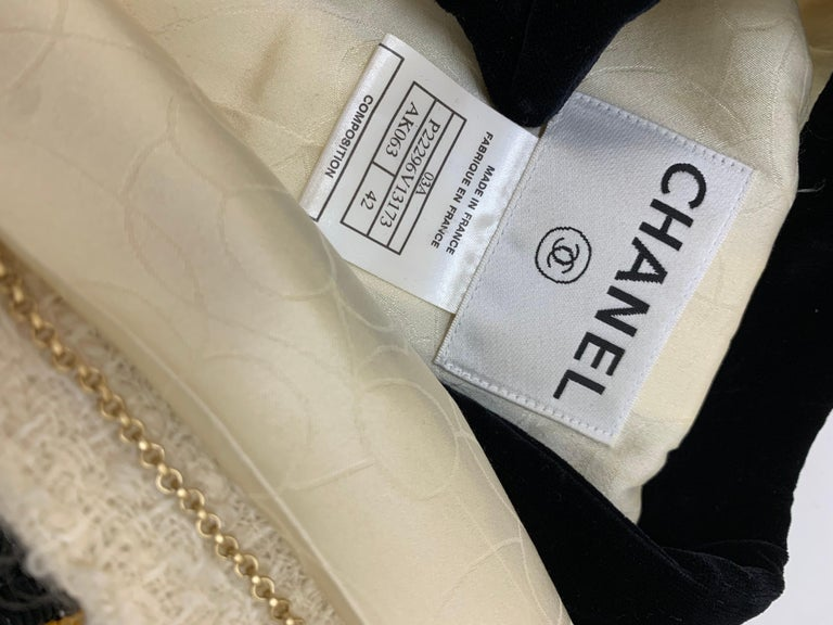 2003 Chanel Cream Wool Boucle Cropped Zip Front Jacket W /Patchwork Beading  8