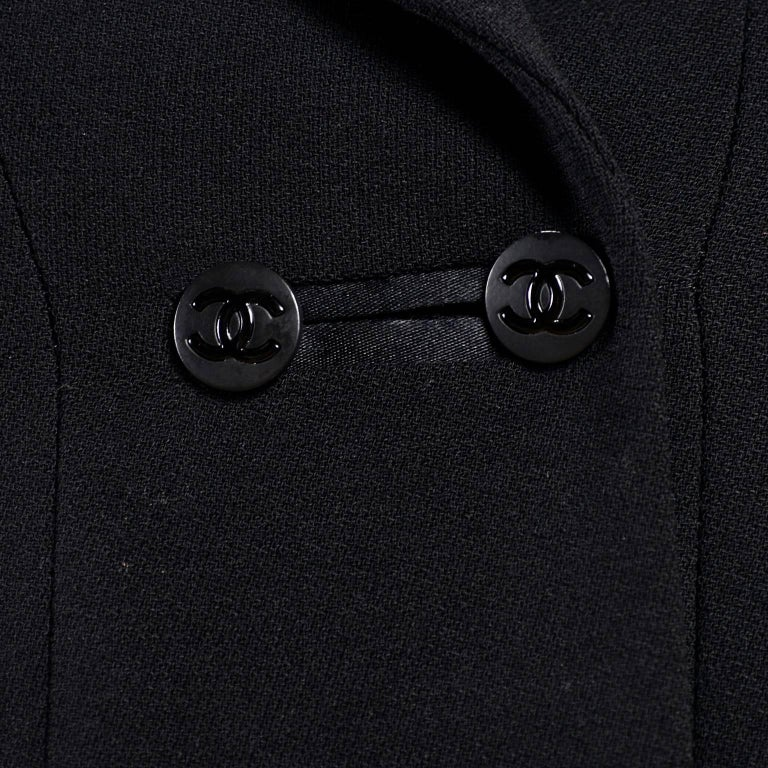 2003 Chanel Jacket Black Wool Blazer W Satin Stripes in Size 38 For Sale 9
