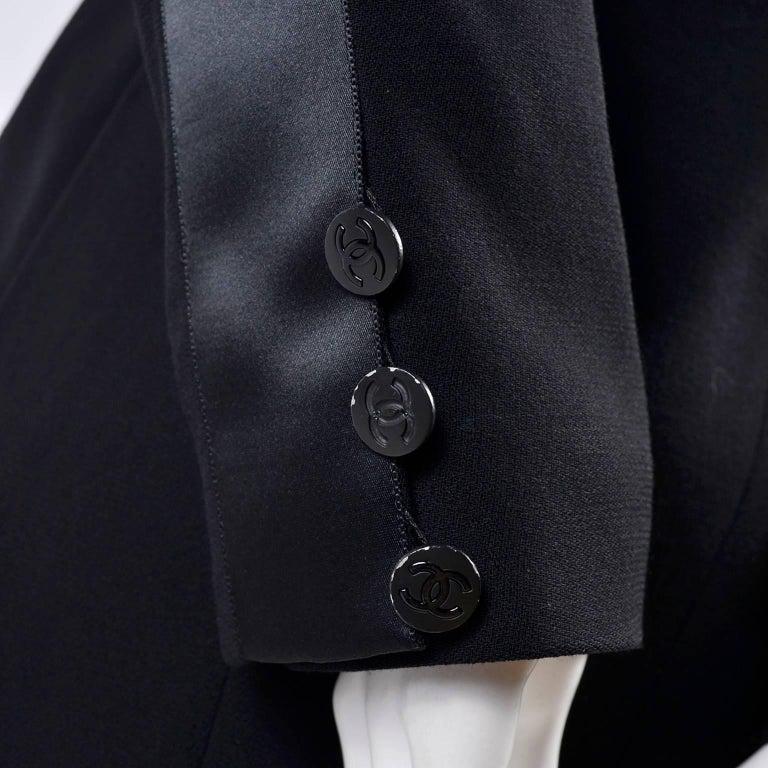 2003 Chanel Jacket Black Wool Blazer W Satin Stripes in Size 38 For Sale 10