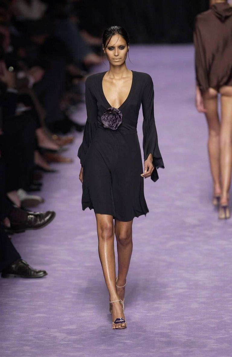 2003 TOM FORD for YVES SAINT LAURENT black runway dress with rose For Sale 3