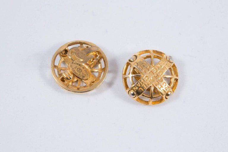 Women's 2003s Chanel Logo Gold Tone Clip On Earrings For Sale