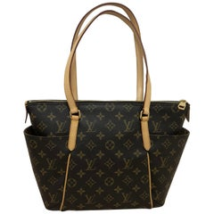 2014 Louis Vuitton Monogram Total MM Tote