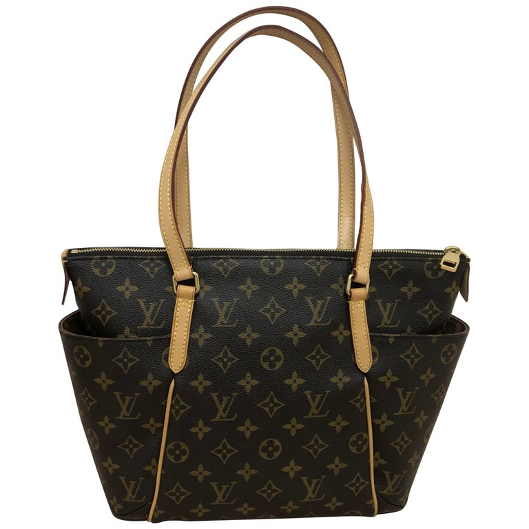 2014 Louis Vuitton Monogram Total MM Tote For Sale