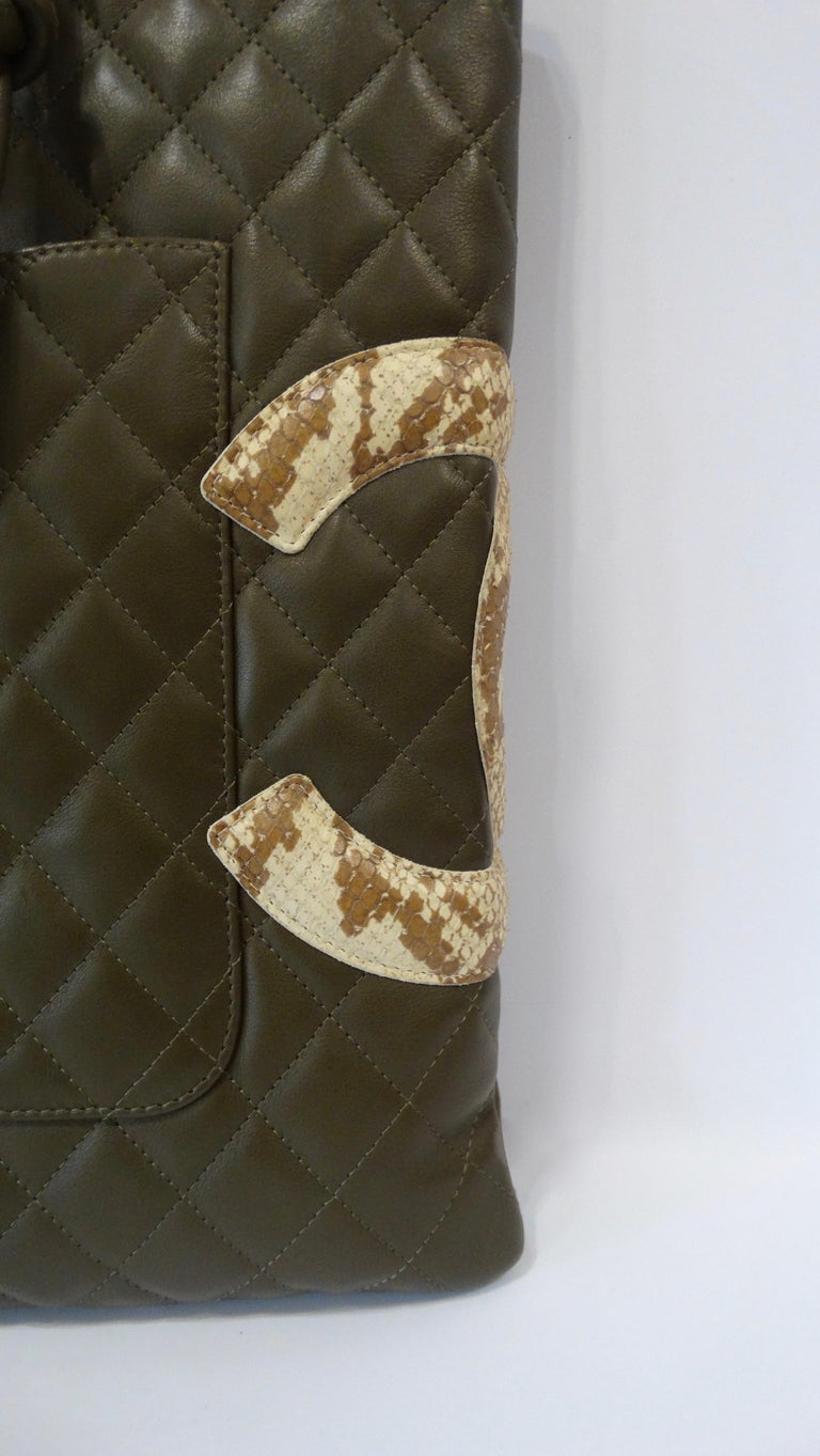 702d6e322d02 2005 Chanel Cambon Olive Green Leather Tote Bag In Good Condition For Sale  In Scottsdale,