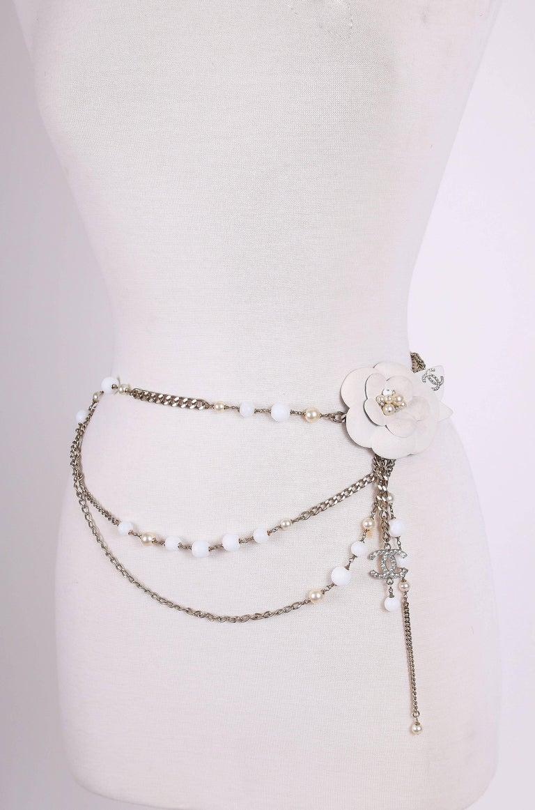 Women's 2005 Chanel Silver Tone Chain & Bead Belt w/Metal Camellia w/Pearls For Sale