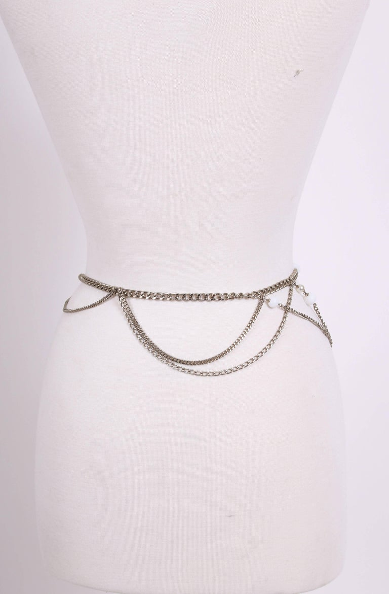 2005 Chanel Silver Tone Chain & Bead Belt w/Metal Camellia w/Pearls For Sale 2